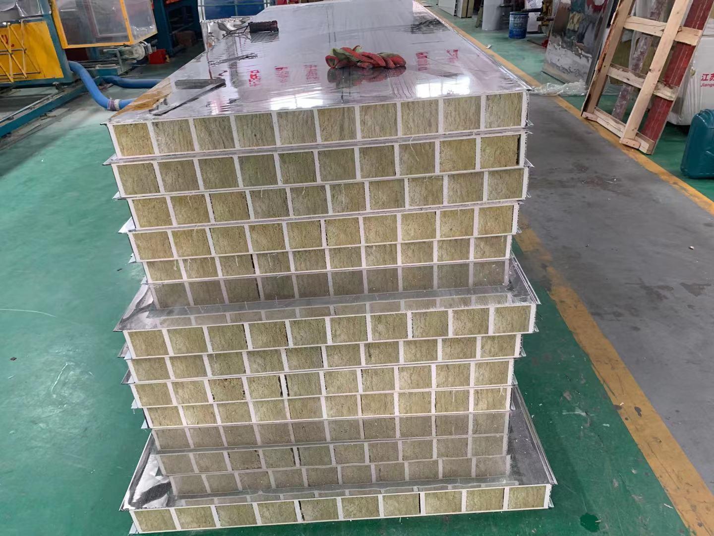 纸蜂窝彩钢夹芯板