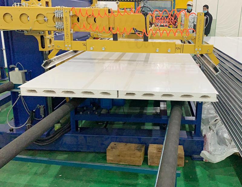 硫氧镁彩钢夹芯板