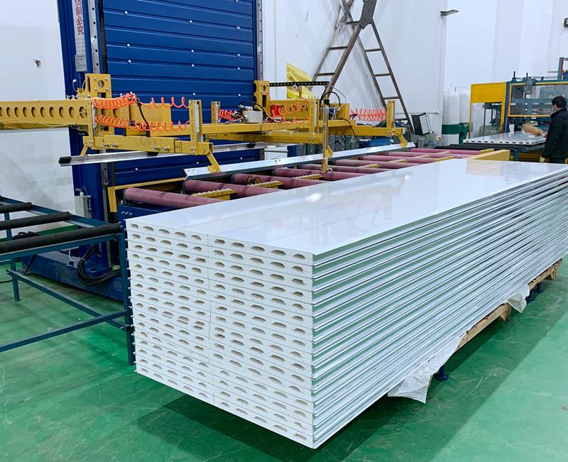 硫氧镁夹芯彩钢板的独特性能